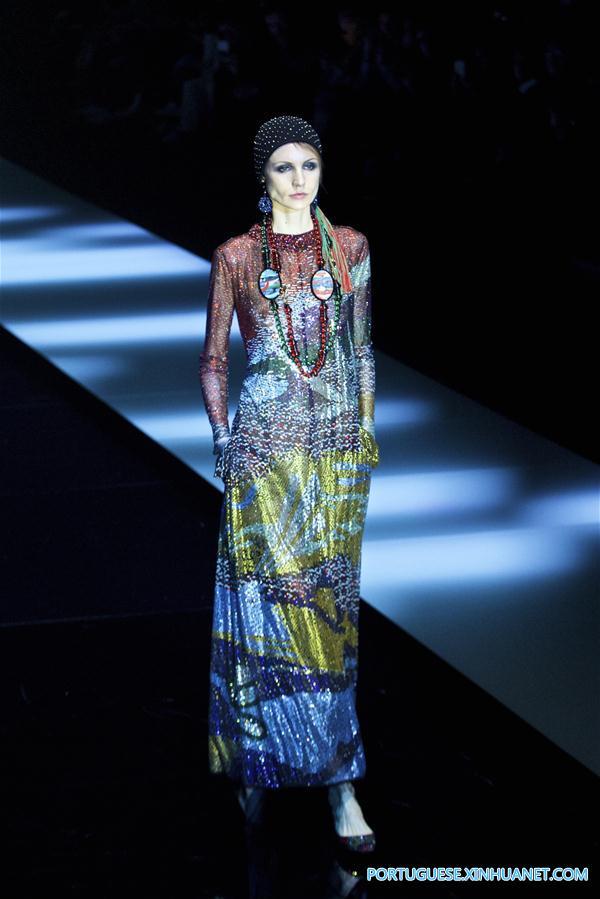 a44ef39cbe193 Giorgio Armani apresenta sua coleção durante a Semana de Moda de ...