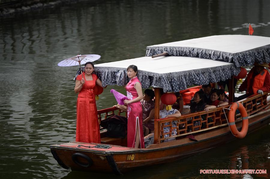 CHINA-ANHUI-QIPAO SHOW (CN)