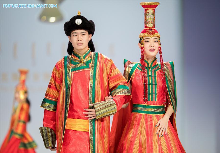 #CHINA-INNER MONGOLIA-HOHHOT-COSTUME FESTIVAL (CN)