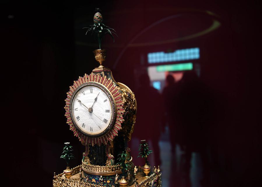 b664a4acebf Relógios em exposição na Galeria dos Relógios no Museu do Palácio em Beijing