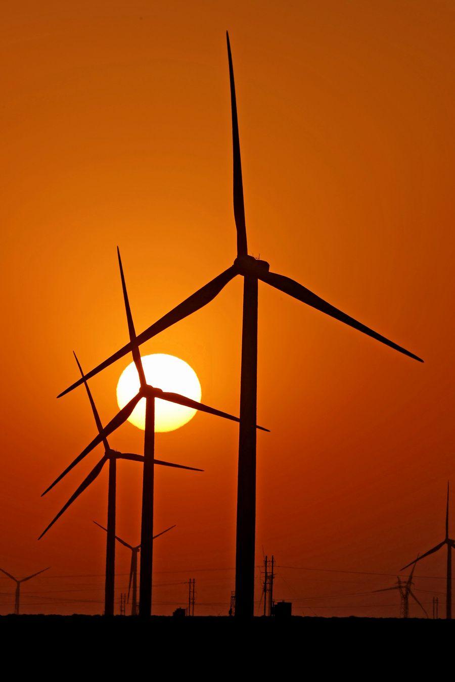 Energia limpa da China cresce rapidamente nos primeiros três trimestres do ano