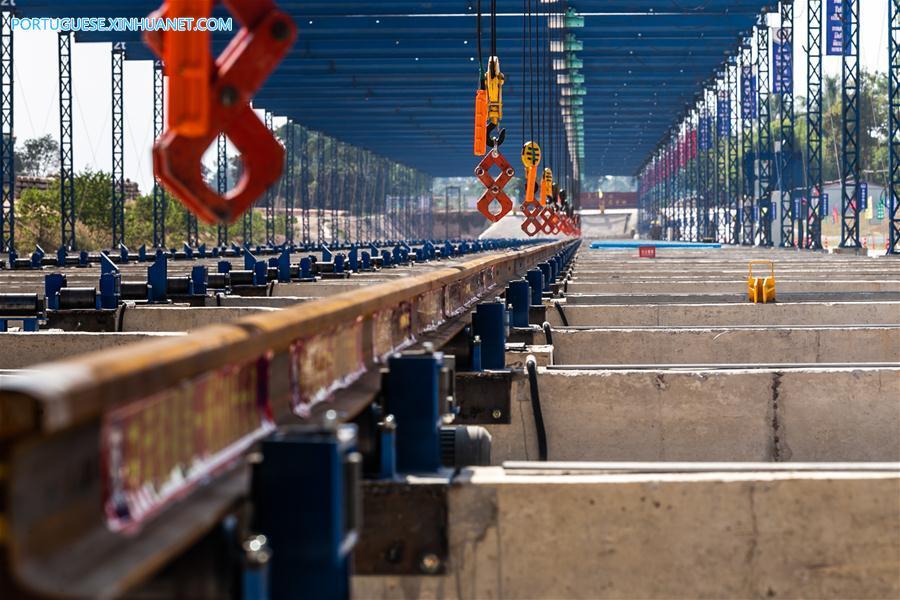 LAOS-VIENTIANE-CHINA-RAILWAY-FIRST-WELDING