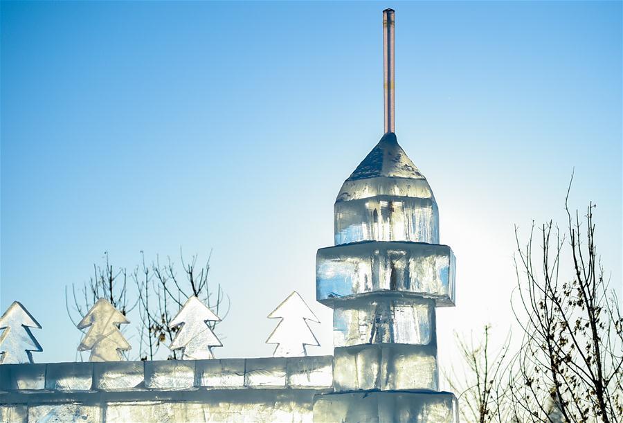 CHINA-INNER MONGOLIA-HULUN BUIR-SNOW SCULPTURE (CN)