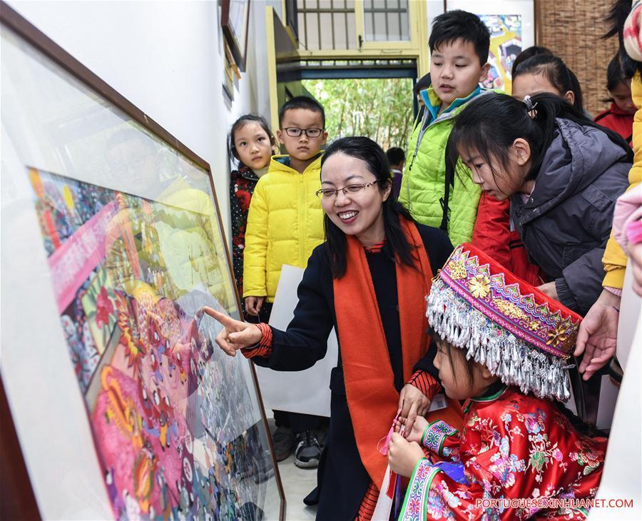 CHINA-ZHEJIANG-CIXI-STUDENTS-WINTER HOLIDAY-ART LESSON (CN)