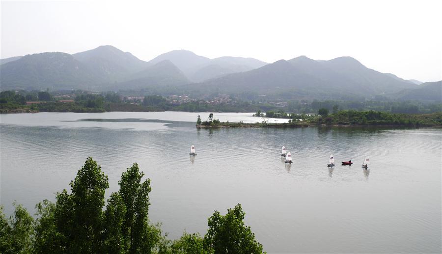 CHINA-JINAN-LAKE-SCENERY (CN)