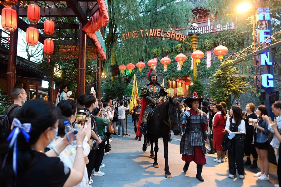 CHINA-HANGZHOU-TOURISM-LANTERNS (CN)