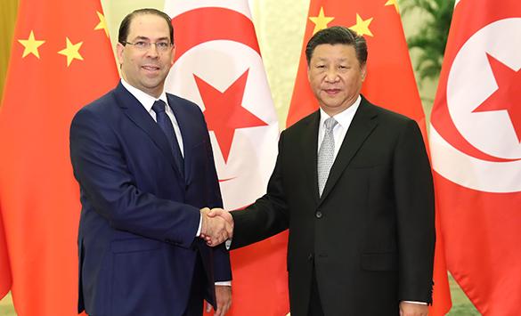 Xi reúne-se com primeiro-ministro tunisiano