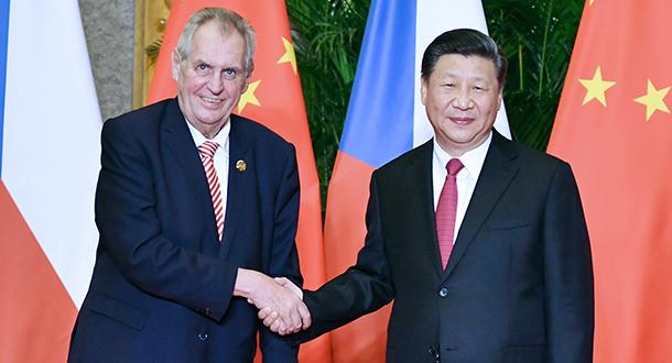 Xi reúne-se com presidente tcheco