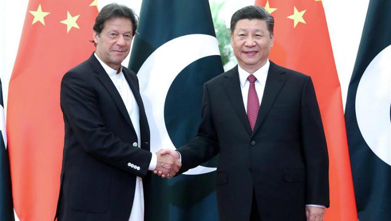Xi reúne-se com premiê do Paquistão