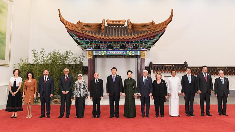 Presidente chinês oferece banquete aos convidados que participam da CDCA