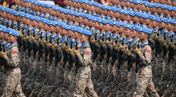 Mantenedores da paz chineses estreiam na parada militar no Dia Nacional