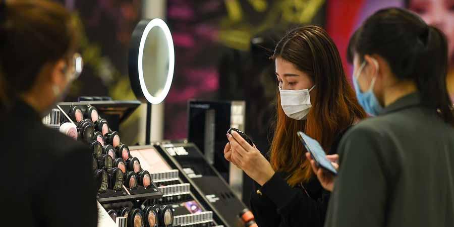 Empresas gradualmente reabrem à medida que a China avança na luta contra o coronavírus