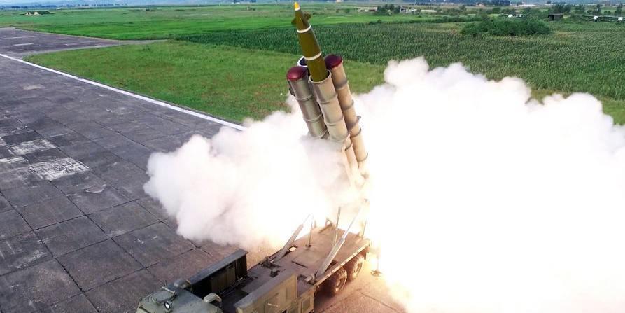 RPDC realiza testes com lançadores de foguetes múltiplos supergrandes