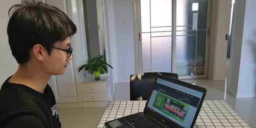 Mais de 90% dos recém-formados buscam emprego online, diz pesquisa