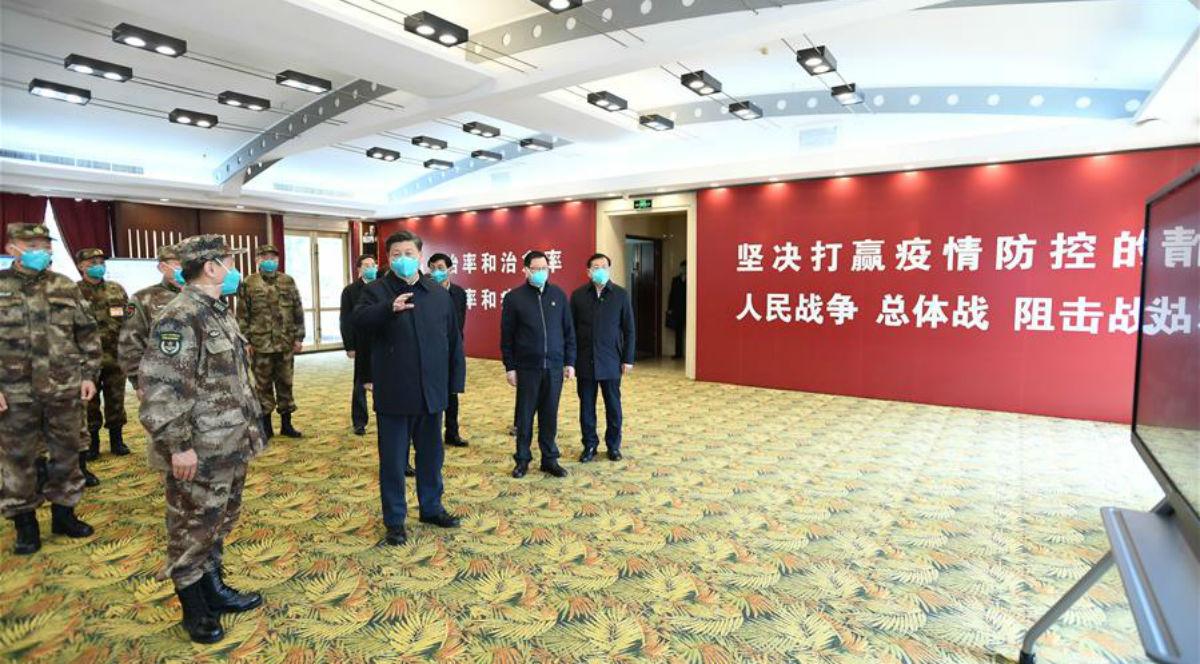 Xi visita pacientes e médicos no Hospital Huoshenshan em Wuhan