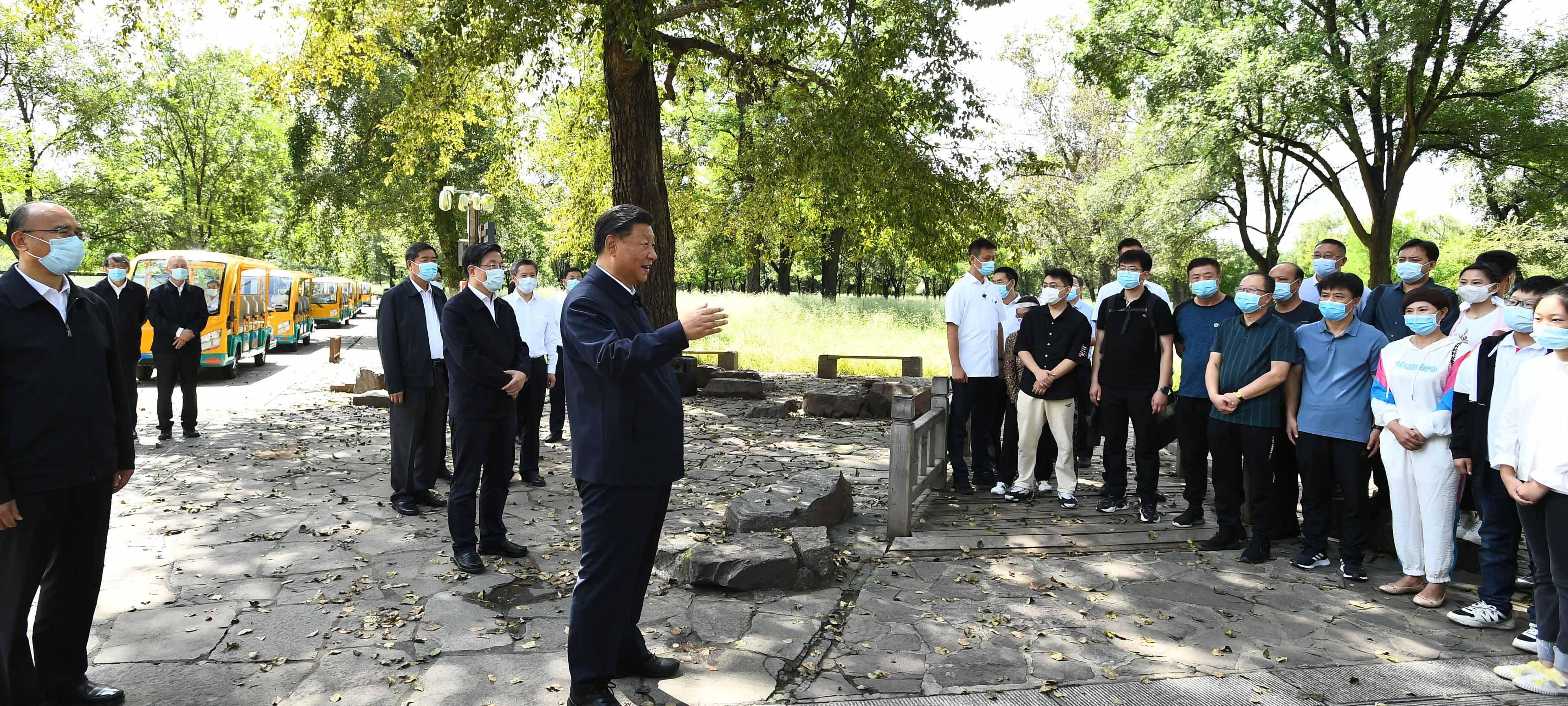 Xi inspeciona cidade de Chengde, no norte da China