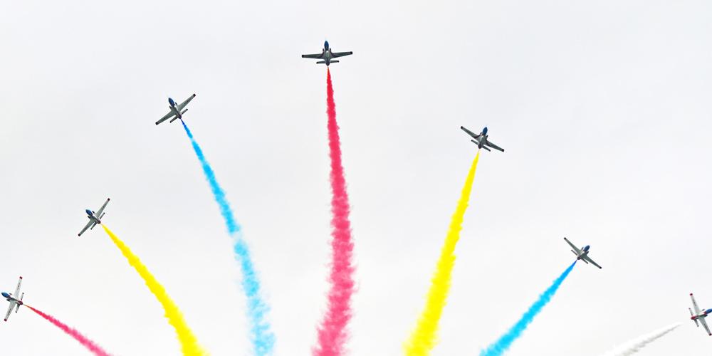 Dia aberto da aviação da força aérea do EPL realizado no nordeste da China