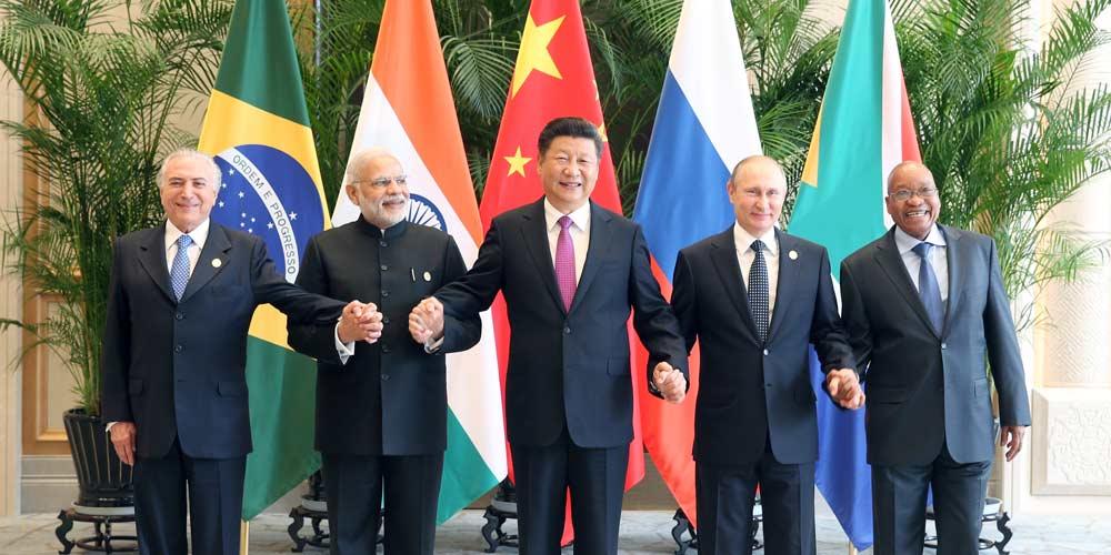 BRICS deve desempenhar papel mais importante nos assuntos internacionais,  diz Xi