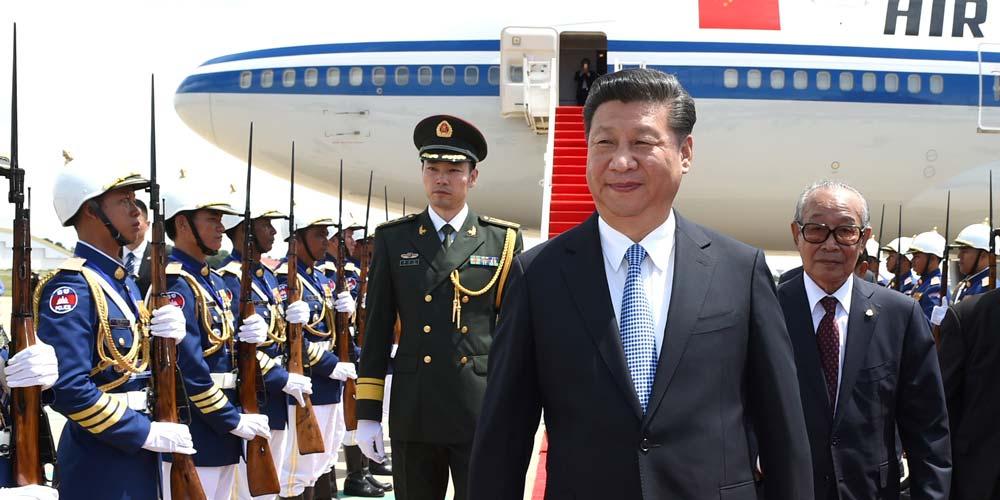 Presidente Xi chega a Phnom Penh e inicia visita ao Camboja