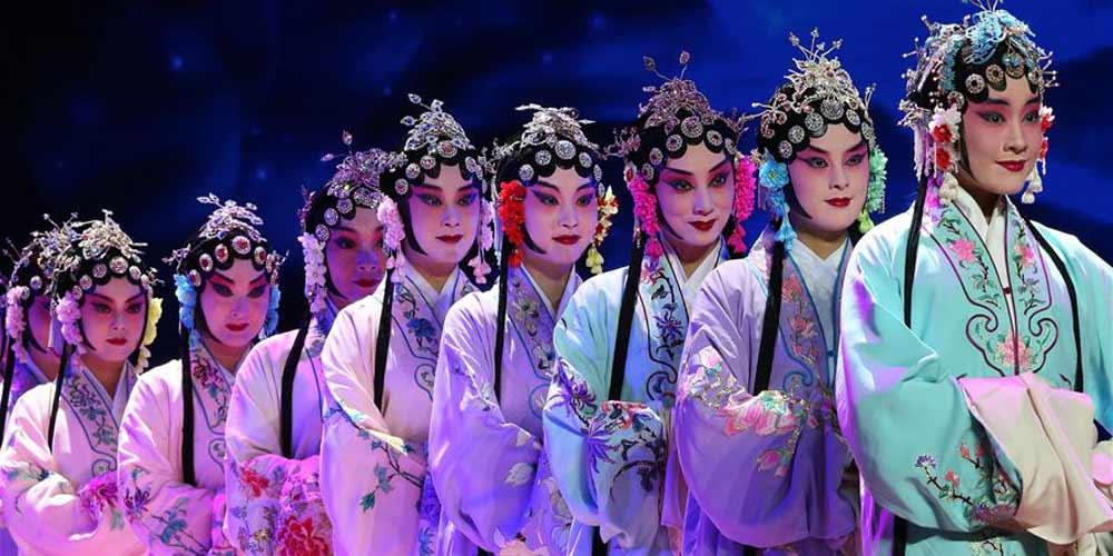 Apresentação de óperas tradicionais chinesas é realizada em Lima