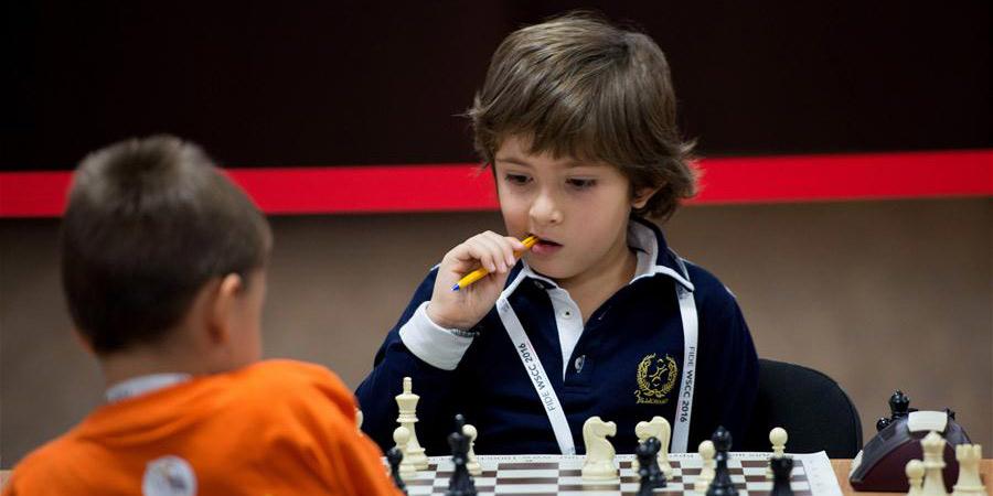 Crianças disputam Campeonato Mundial de Xadrez Escolar na Rússia