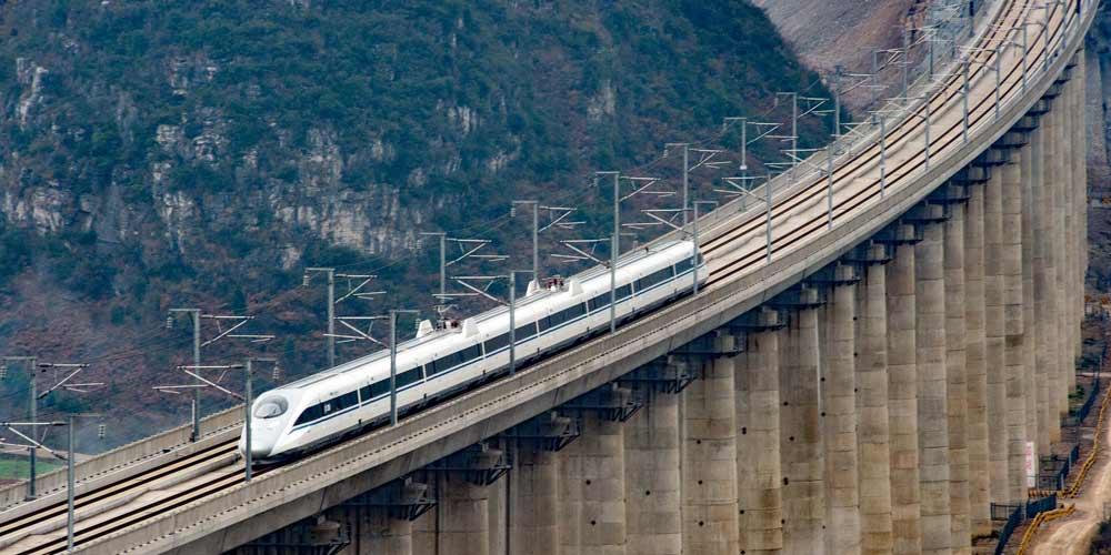 Vídeo editado em câmera 15 vezes mais rápida mostra os túneis da linha ferroviária Shanghai-Kunming