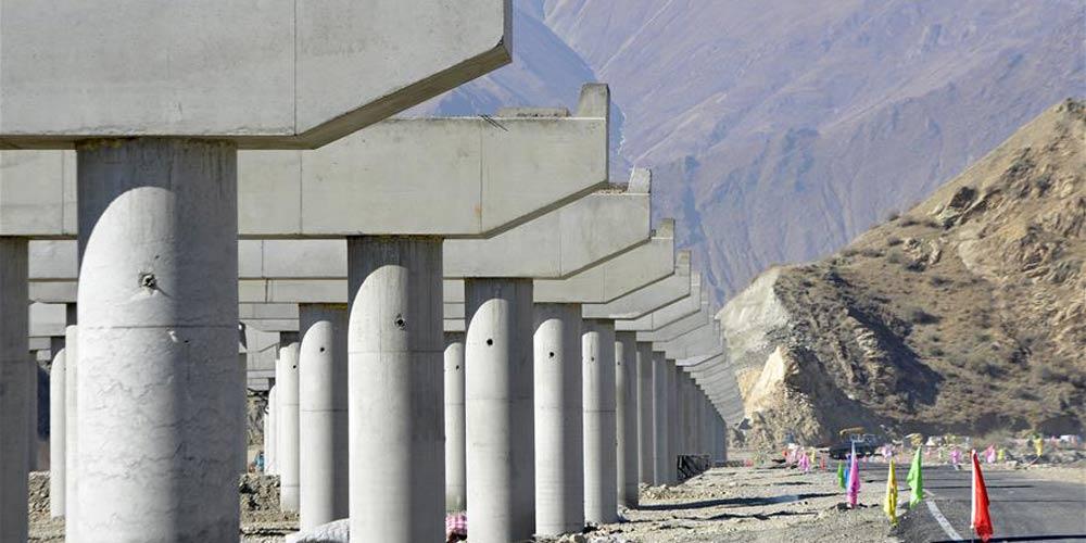 Parte do anel viário de Lhasa entra em funcionamento experimental no Tibet da China