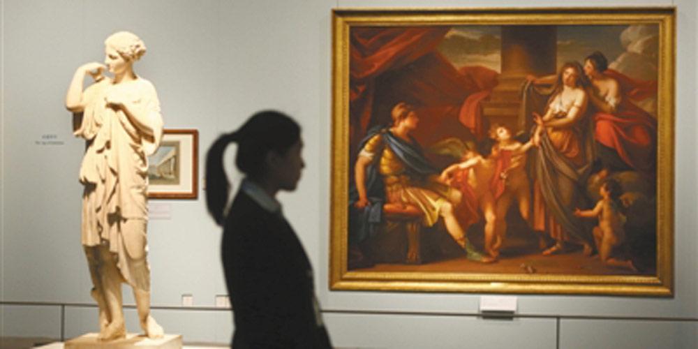 Aberta exibição de tesouros do Museu do Louvre no Museu Nacional da China