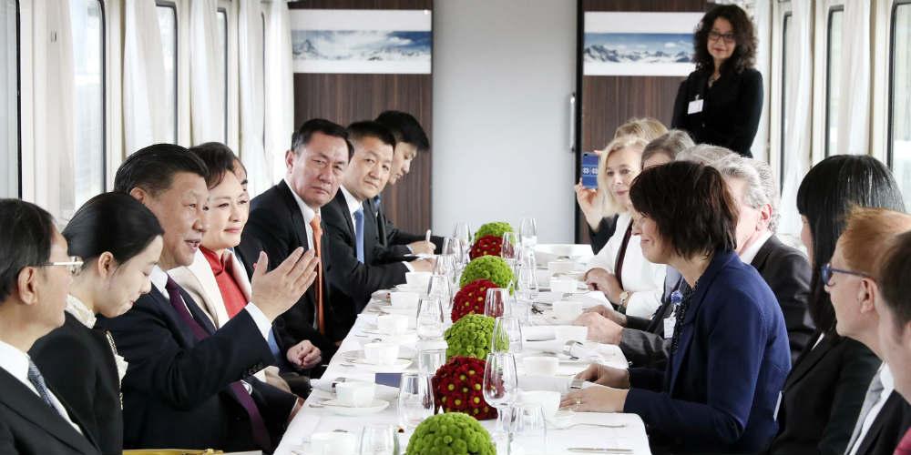 """Presidente chinês elogia parceria """"exemplar"""" entre China e Suíça"""