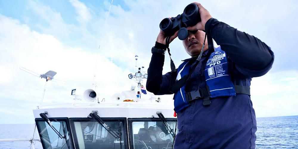 Malásia expande área de busca pelos desaparecidos no acidente de barco