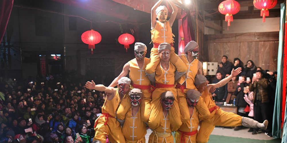 Celebrações do Festival das Lanternas são realizadas em Anhui no leste da China