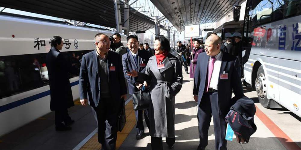 Assessores políticos chineses chegam a Beijing para reunião anual