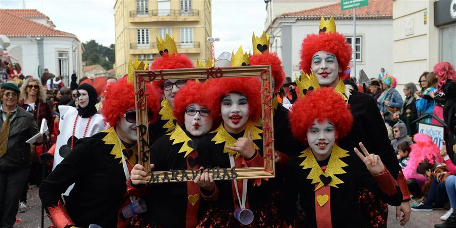 Carnaval de Torres Vedras atrai multidão de foliões locais e estrangeiros