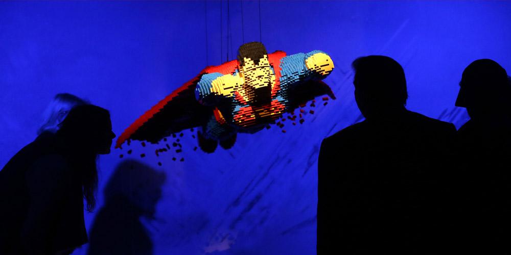 """Exposição """"A Arte do Bloco: Super Heróis de DC"""" é realizada em Londres"""