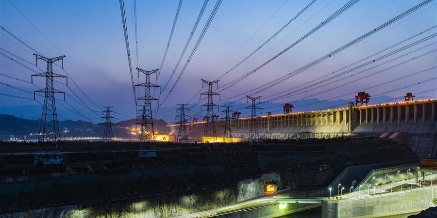 Projeto das Três Gargantas gera 1 trilhão kWh de eletricidade