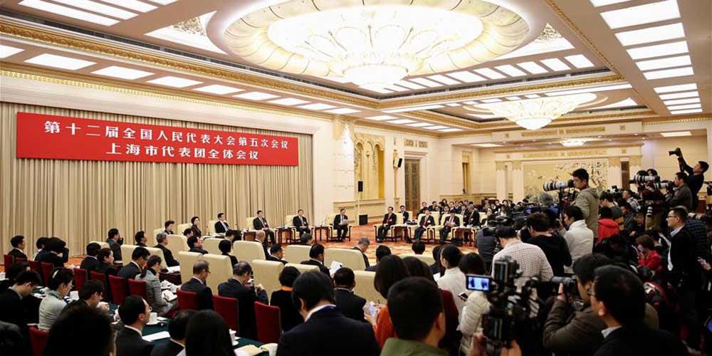 Reunião plenária dos deputados de Shanghai na 12ª APN é aberta à imprensa