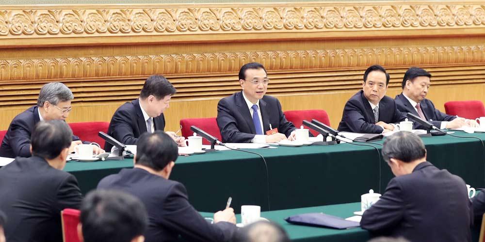 Premiê chinês pede esforços para promover inovação e novo ímpeto de crescimento