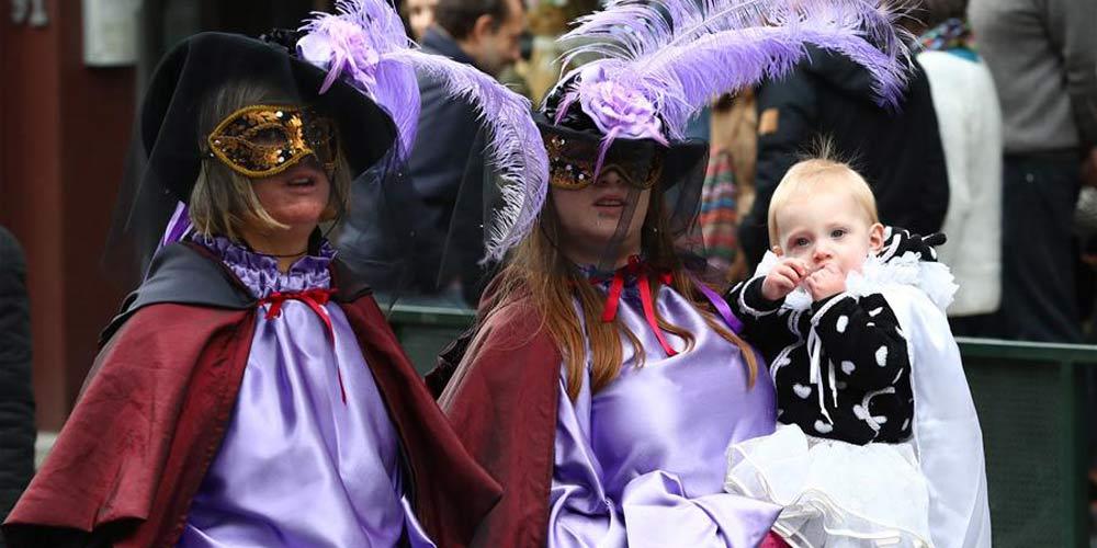Carnaval de máscaras em Bruxelas