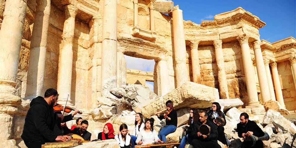 Forças sírias recapturam a cidade de Palmira depois de batalhas contra o Estado Islâmico