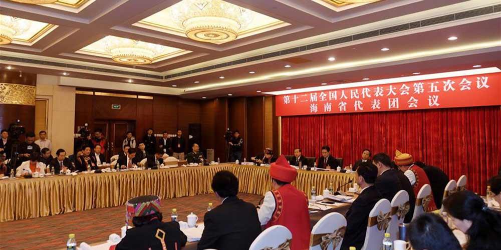 Reunião plenária dos deputados de Hainan na 12ª APN é aberta à imprensa