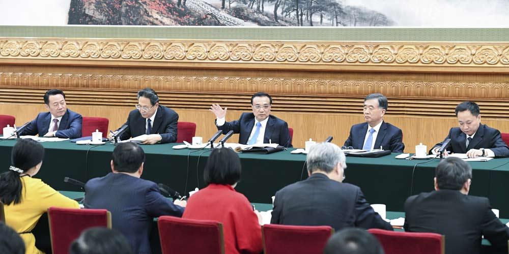 Líderes chineses participam de painel de discussão com deputados da APN
