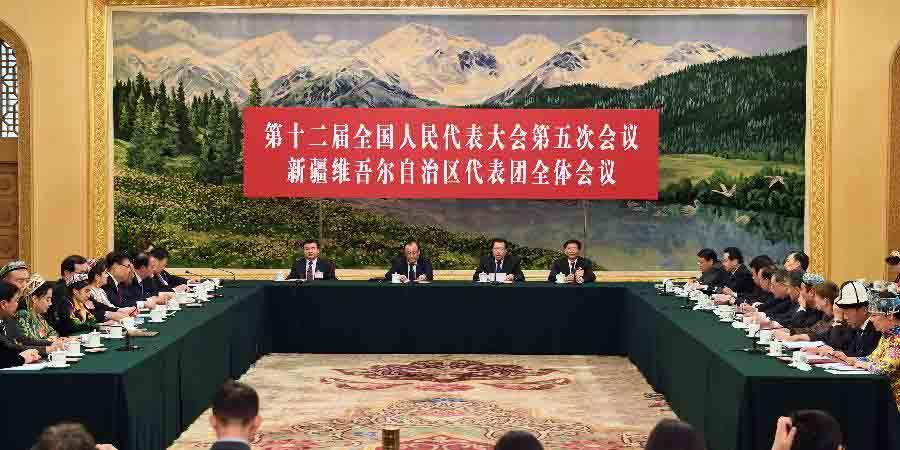 Reunião plenária dos deputados da 12ª APN de Xinjiang é aberta à imprensa