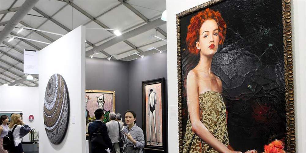 """""""Art Central"""" é realizada em Hong kong"""