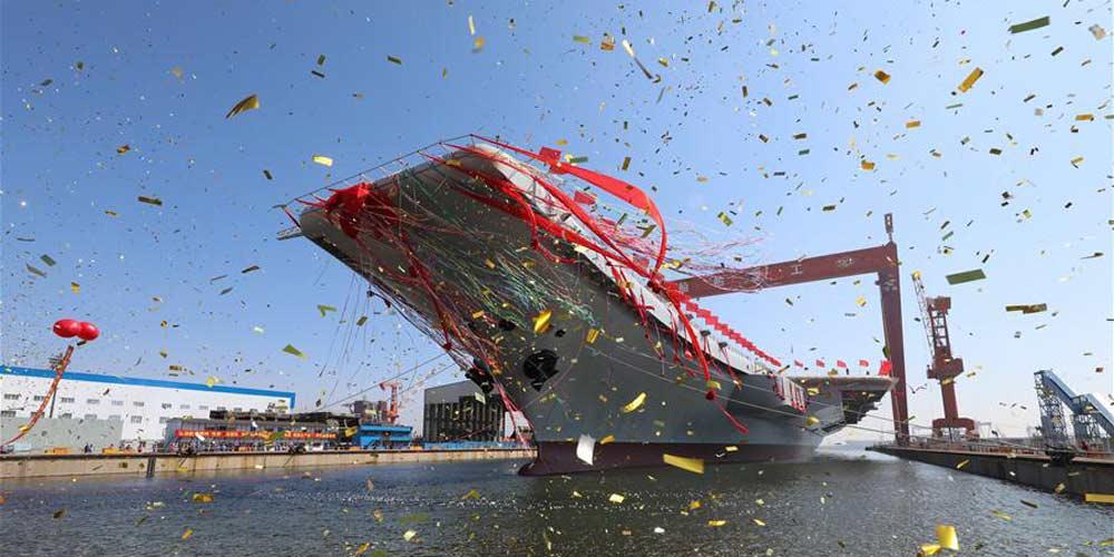 China lança seu segundo porta-aviões