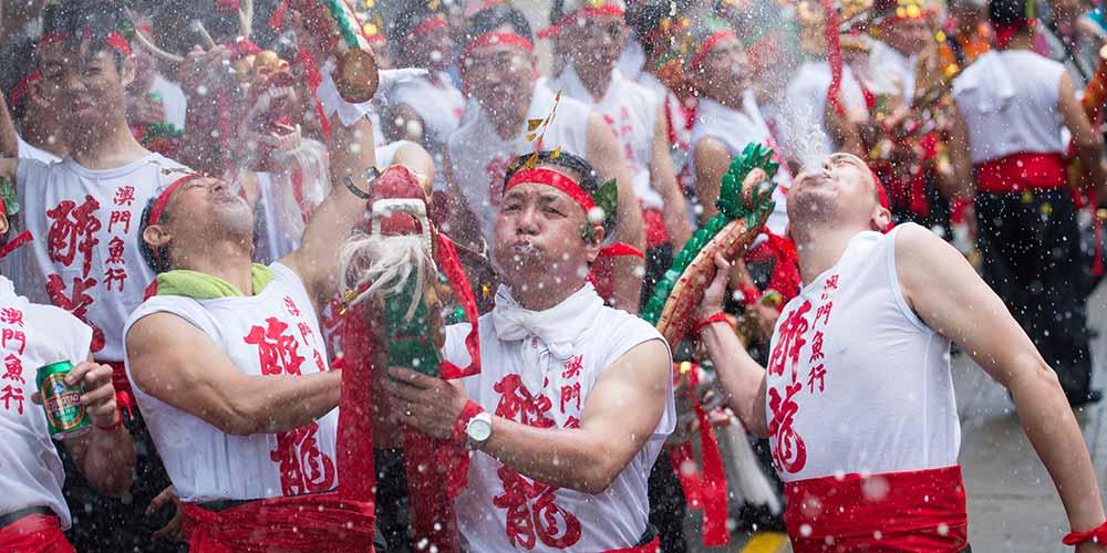 Macau celebra Festival do Dragão Embriagado