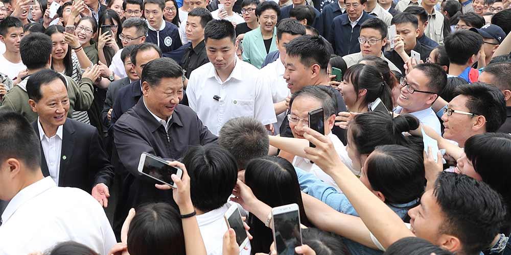 Presidente chinês sublinha importância do Estado de Direito e educação de talentos  jurídicos