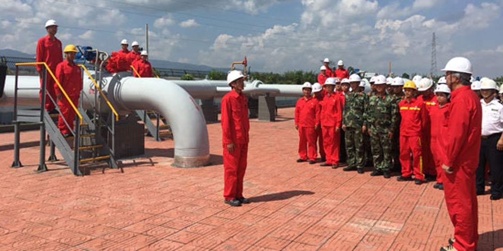 China recebe primeiro carregamento de petróleo do Mianmar