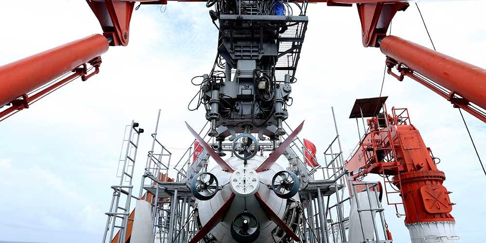 Submersível chinês Jiaolong inicia testes antes de mergulho na Fossa das Marianas