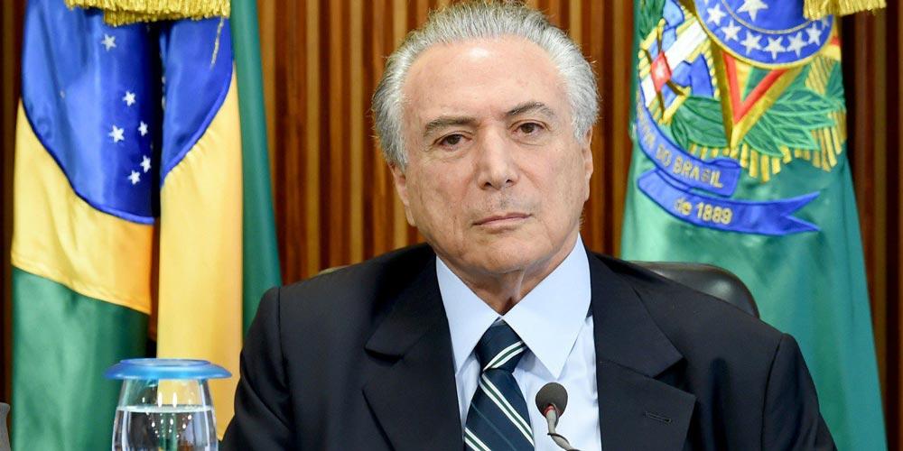 Brasília vê conflitos violentos à medida que crise política se agrava