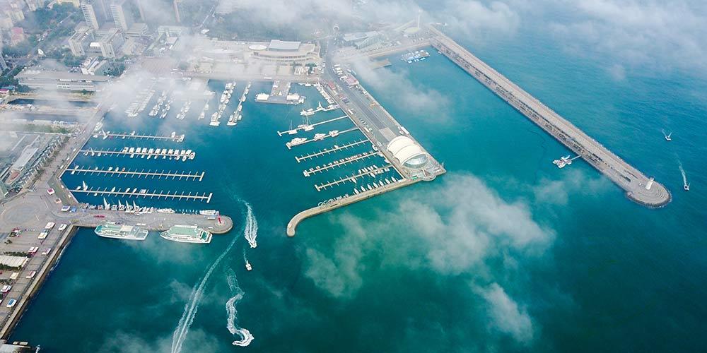 Vista aérea da cidade costeira de Qingdao